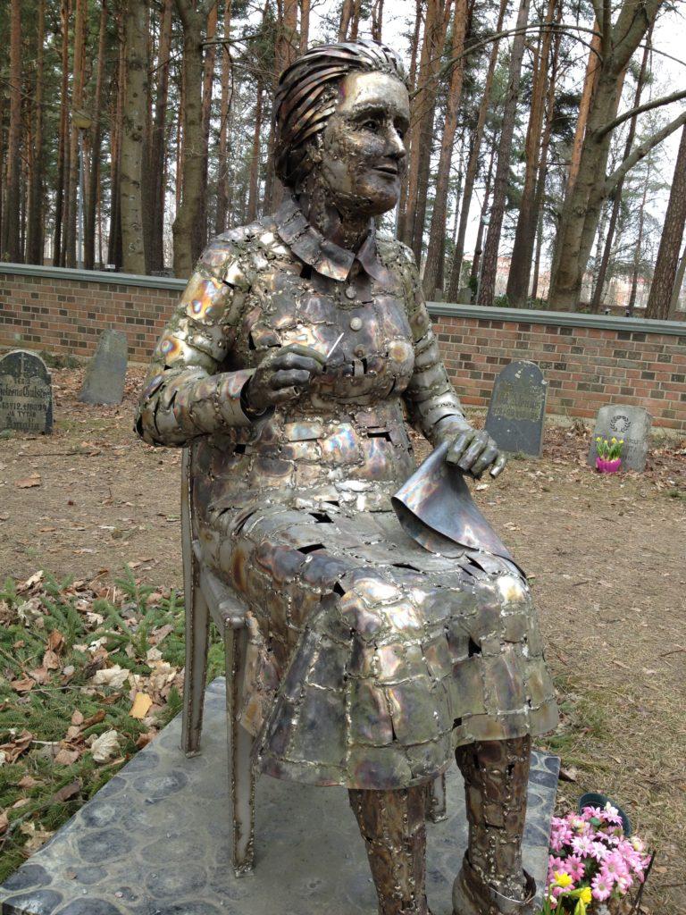 Ompelija Kalevankankaan hautausmaalla